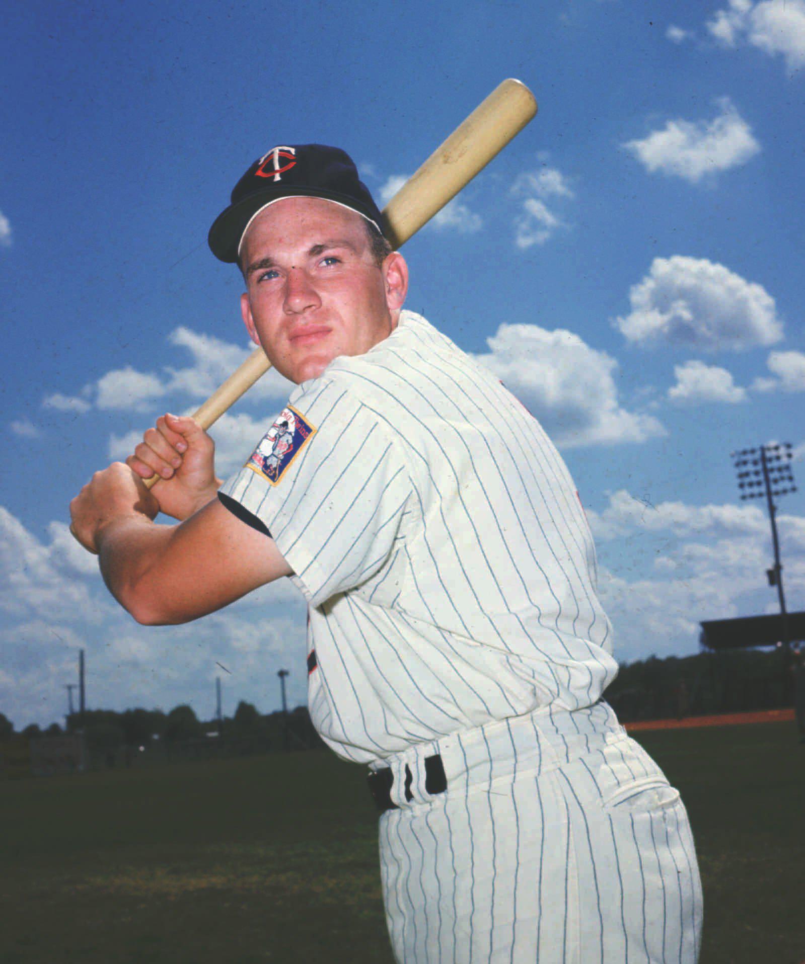Choose *COMBINE S//H* 2001 Upper Deck Ovation Superstar Theatre Baseball #1-11